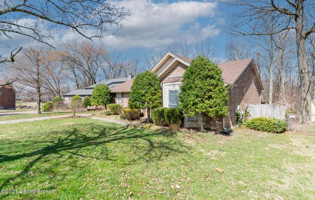 10005 Lauralynn Ct, Louisville, KY 40299 (#1581088) :: The Stiller Group