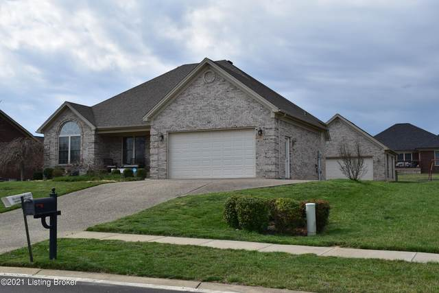 421 E Woodlake Cir, Mt Washington, KY 40047 (#1582250) :: The Stiller Group