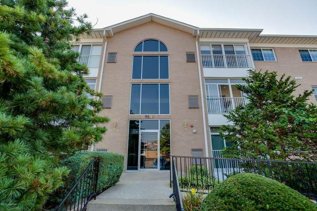 8509 Atrium Dr #302, Louisville, KY 40220 (#1584346) :: At Home In Louisville Real Estate Group