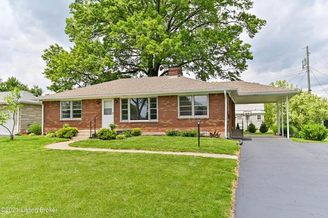3302 Terrier Ln, Louisville, KY 40218 (#1585675) :: The Stiller Group