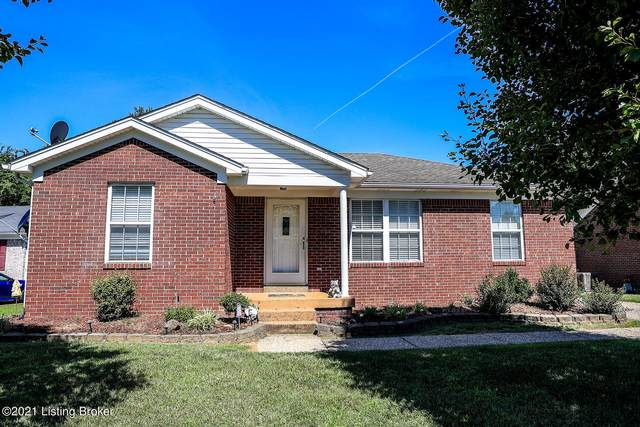 10910 Youngtown Dr, Louisville, KY 40272 (#1588598) :: The Sokoler Team