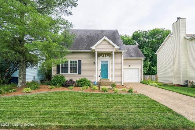 4304 Hickoryview Dr, Louisville, KY 40299 (#1589265) :: The Sokoler Team