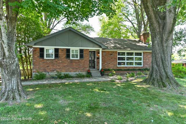 6916 Ambridge Cir, Louisville, KY 40207 (#1589946) :: The Sokoler Team