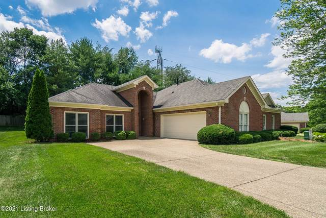 10006 Forest Village Ln, Louisville, KY 40223 (#1591579) :: The Price Group