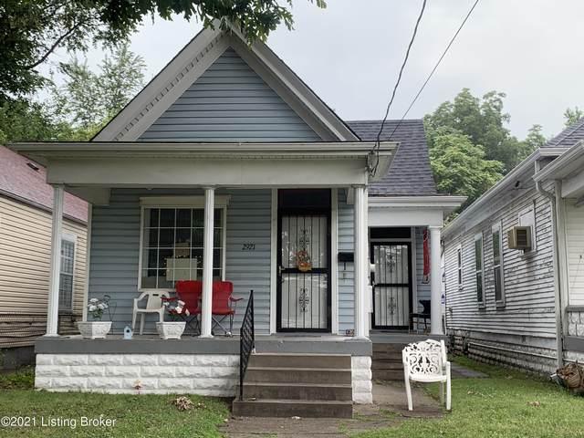 2921 Dumesnil St, Louisville, KY 40211 (#1592613) :: The Sokoler Team