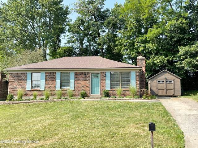5500 Wooded Lake Dr, Louisville, KY 40299 (#1593849) :: Herg Group Impact