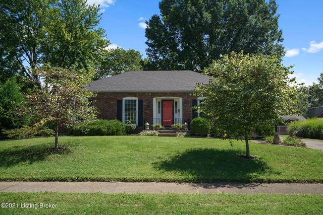 4602 Hedgerow Ct, Louisville, KY 40220 (#1595896) :: The Sokoler Team