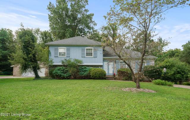 6704 Copperfield Rd, Louisville, KY 40207 (#1596589) :: Herg Group Impact
