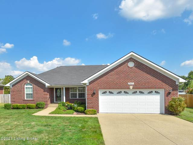 9807 Valley Farms Blvd, Louisville, KY 40272 (#1596641) :: The Price Group