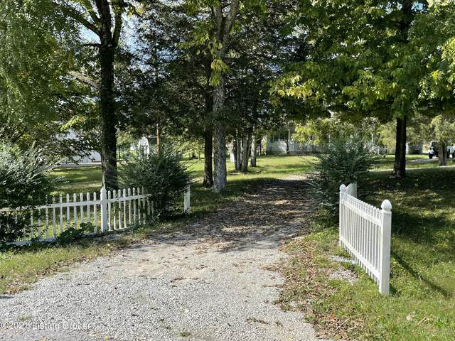 2113 Fox Trail Dr, La Grange, KY 40031 (#1597686) :: Herg Group Impact