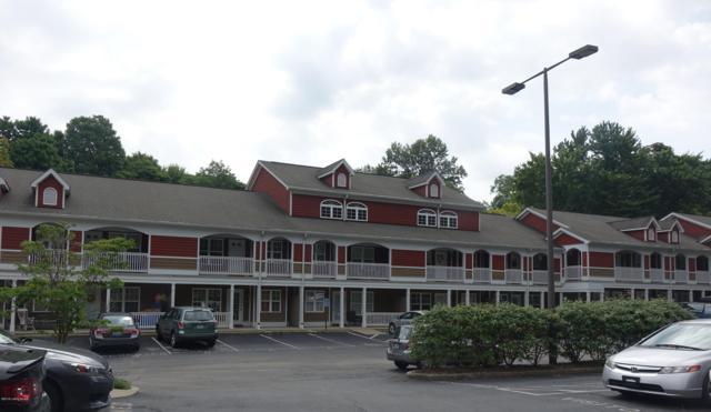 225 Crescent Hill Pl #212, Louisville, KY 40206 (#1509227) :: The Sokoler-Medley Team