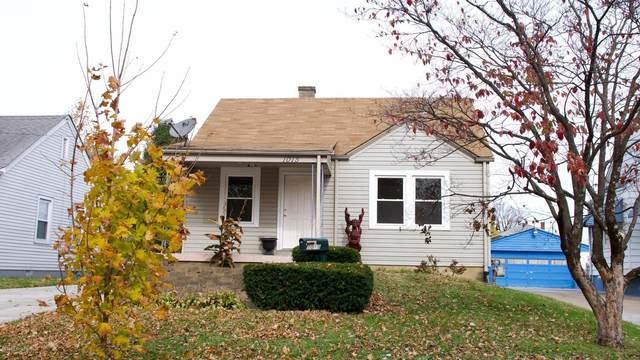1015 Oakwood Ave, Louisville, KY 40215 (#1573474) :: The Sokoler Team