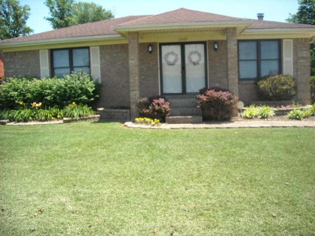 12309 Spring Meadow Dr, Louisville, KY 40229 (#1506479) :: The Sokoler-Medley Team