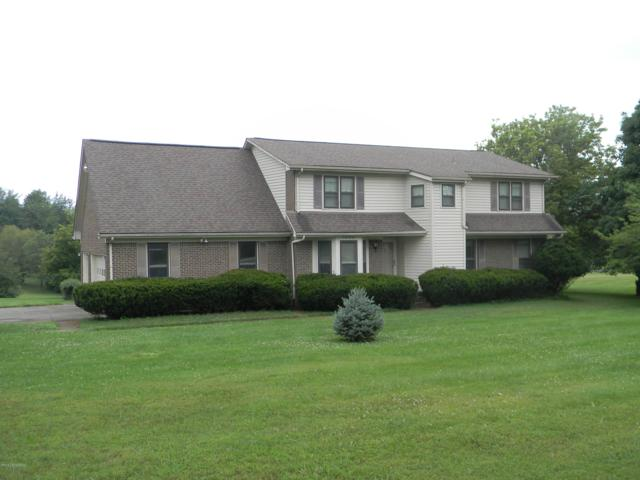 3900 Carriage Hill Dr, Crestwood, KY 40014 (#1509100) :: The Sokoler-Medley Team