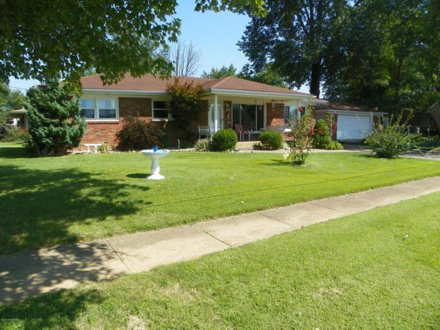 8411 Seaforth Dr, Louisville, KY 40258 (#1512353) :: Segrest Group