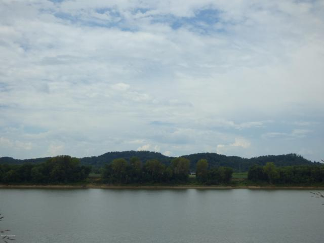 4500 River Front Dr, Louisville, KY 40216 (#1513658) :: The Sokoler-Medley Team