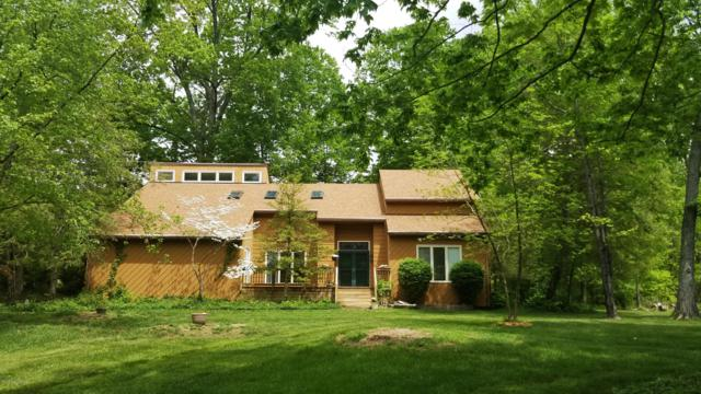 149 Rosswood Dr, Pewee Valley, KY 40056 (#1529851) :: The Sokoler-Medley Team