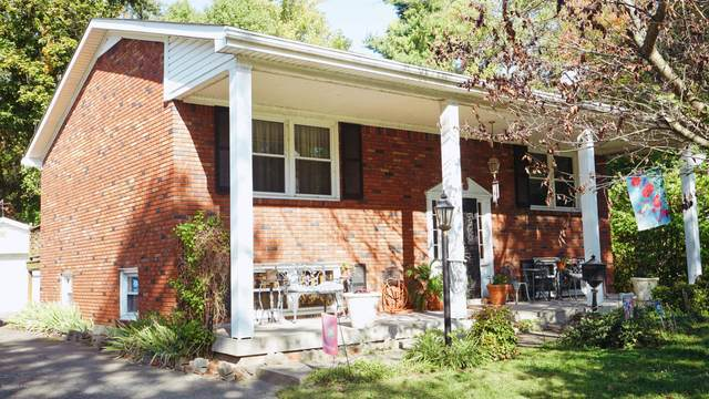 7620 Greenfield Ave, Louisville, KY 40214 (#1571334) :: Team Panella