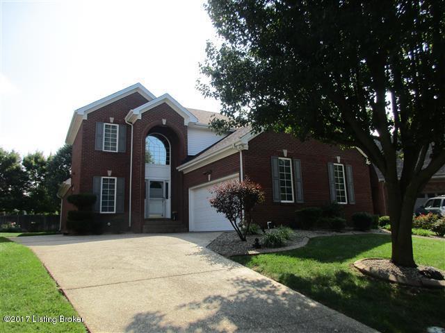 10121 Ivybridge Cir, Louisville, KY 40241 (#1483832) :: Team Panella
