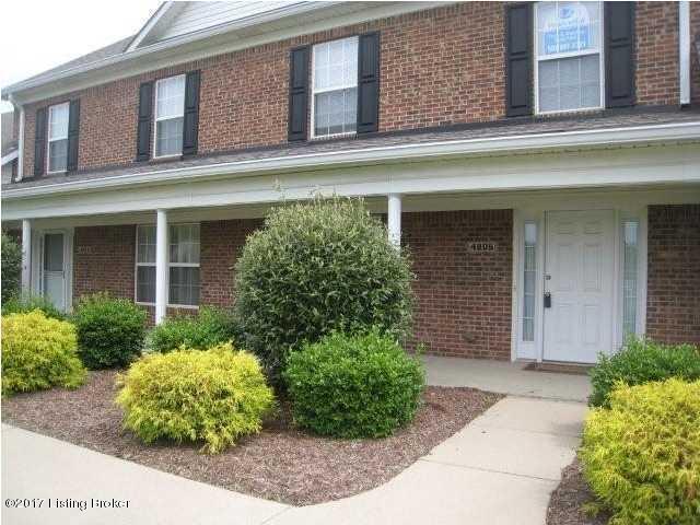 4806 Cox Woods Ct, Louisville, KY 40229 (#1486826) :: Team Panella