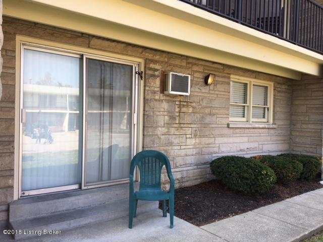 3510 Paragon Ct #3, Louisville, KY 40218 (#1498284) :: The Price Group