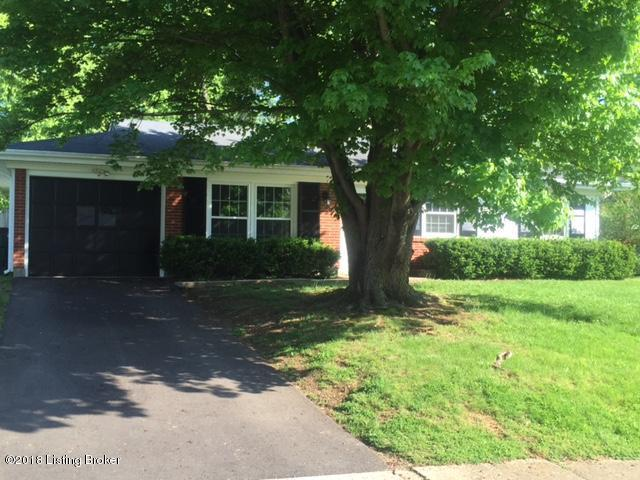 9119 Kenlock Dr, Louisville, KY 40242 (#1502712) :: The Elizabeth Monarch Group