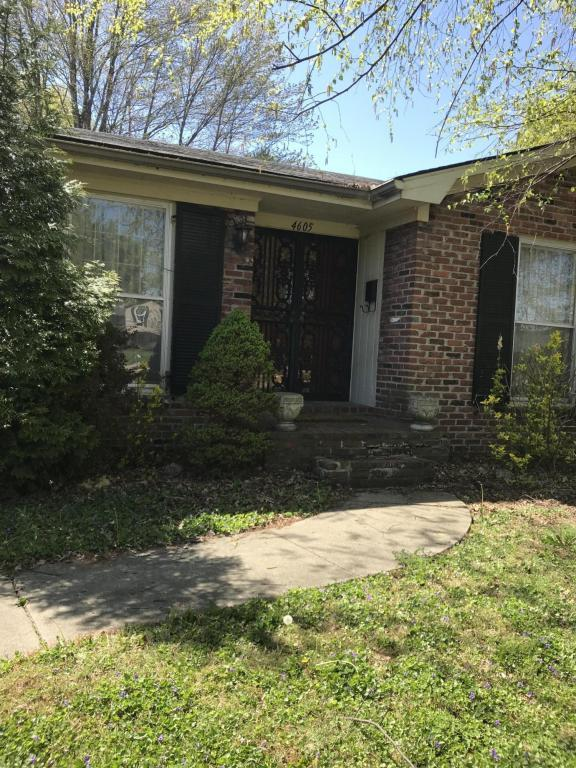 4605 Hedgerow Ct, Louisville, KY 40220 (#1502959) :: The Stiller Group