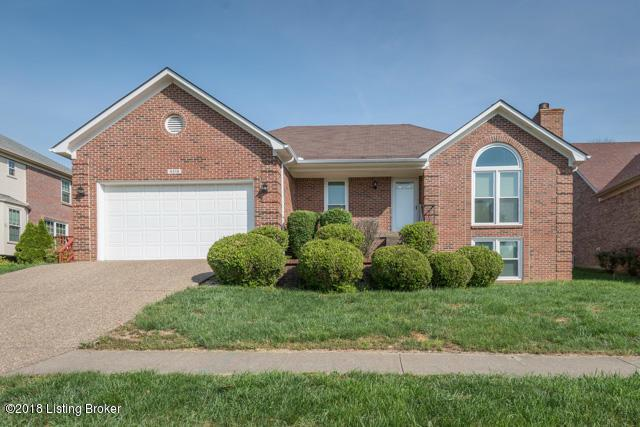 4516 Saratoga Hill Rd, Louisville, KY 40299 (#1503348) :: The Stiller Group