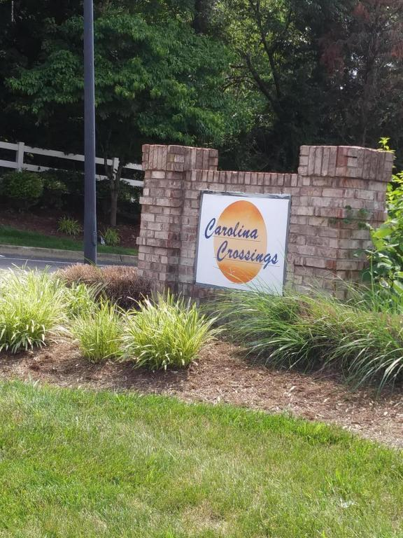 5305 Carolina Crossings Way #208, Louisville, KY 40219 (#1505807) :: The Elizabeth Monarch Group