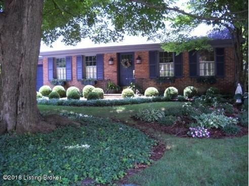9102 Tiverton Way, Louisville, KY 40242 (#1509832) :: The Sokoler-Medley Team
