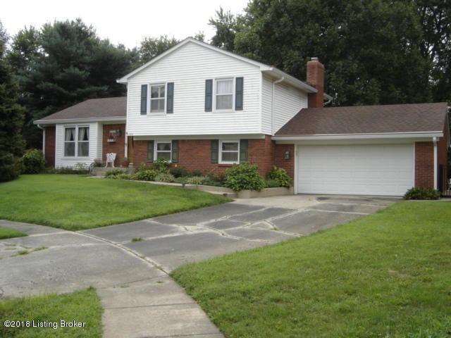 3115 Auburn Cir, Louisville, KY 40299 (#1512821) :: Segrest Group