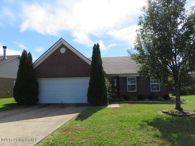 4030 Heatherview Rd, Louisville, KY 40218 (#1517469) :: The Elizabeth Monarch Group