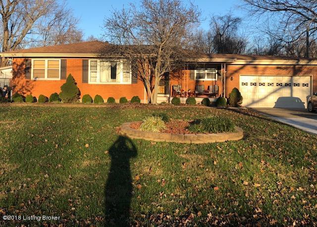 10313 Sunlight Ln, Louisville, KY 40272 (#1520415) :: The Sokoler-Medley Team