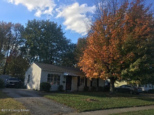 5706 Loretta St, Louisville, KY 40213 (#1520427) :: The Sokoler-Medley Team