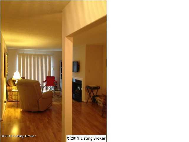 1001 La Fontenay Ct, Louisville, KY 40223 (#1520658) :: Team Panella