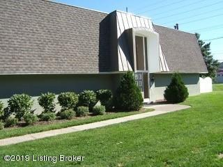 109 La Fontenay Ct, Louisville, KY 40223 (#1532550) :: The Sokoler-Medley Team