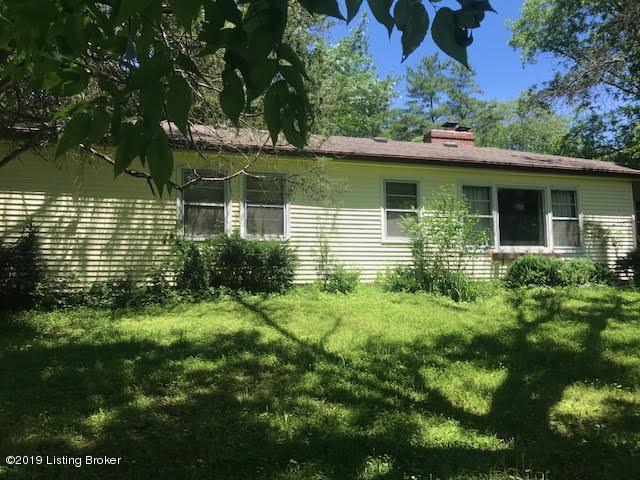 11103 Easum Rd, Louisville, KY 40299 (#1535309) :: The Stiller Group