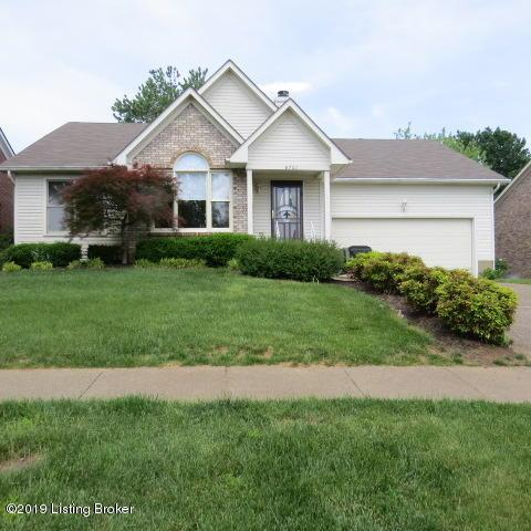 8701 Lambach Ln, Louisville, KY 40220 (#1535349) :: The Price Group