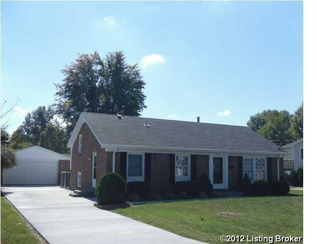 8016 Broadfern Dr, Louisville, KY 40291 (#1535772) :: Impact Homes Group