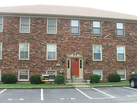 8138 Lake Terrace E8, Louisville, KY 40222 (#1582998) :: Team Panella