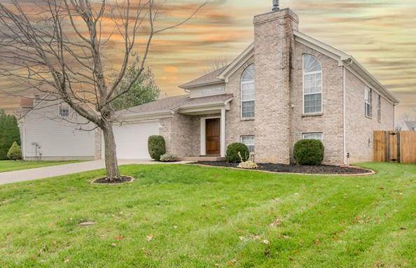 8615 Hickory Falls Ln, Pewee Valley, KY 40056 (#1583363) :: At Home In Louisville Real Estate Group