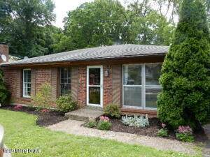 6506 Daverman Ct, Louisville, KY 40228 (#1588088) :: Team Panella