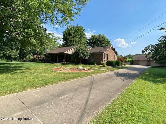 597 Castlerock Dr, Shepherdsville, KY 40165 (#1592899) :: The Sokoler Team