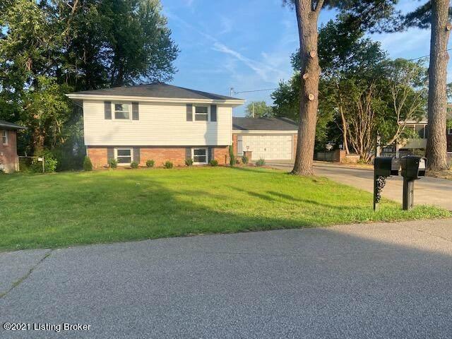 9815 Lakewood Dr, Louisville, KY 40272 (#1593874) :: The Stiller Group
