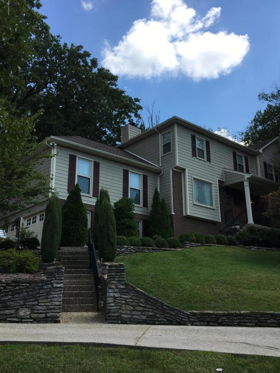 5507 Hempstead Rd, Louisville, KY 40207 (#1484139) :: Team Panella