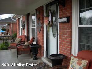 5606 Elmer Ln, Louisville, KY 40214 (#1507941) :: The Stiller Group