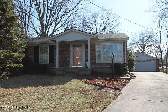 2913 Wallingford Ct, Louisville, KY 40218 (#1524374) :: The Sokoler-Medley Team