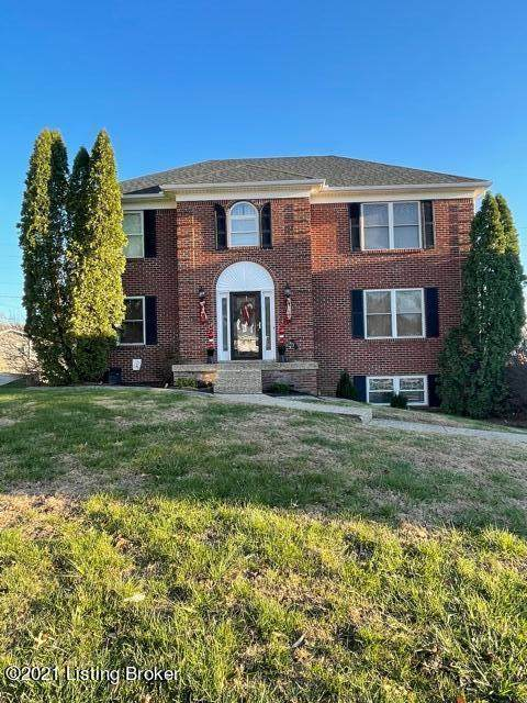 4201 Wine Cellar Ct Ct, Louisville, KY 40272 (#1584484) :: At Home In Louisville Real Estate Group