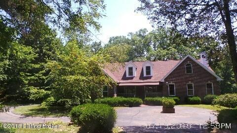 3330 Hidden Lake Ct, Louisville, KY 40023 (#1494225) :: The Sokoler-Medley Team