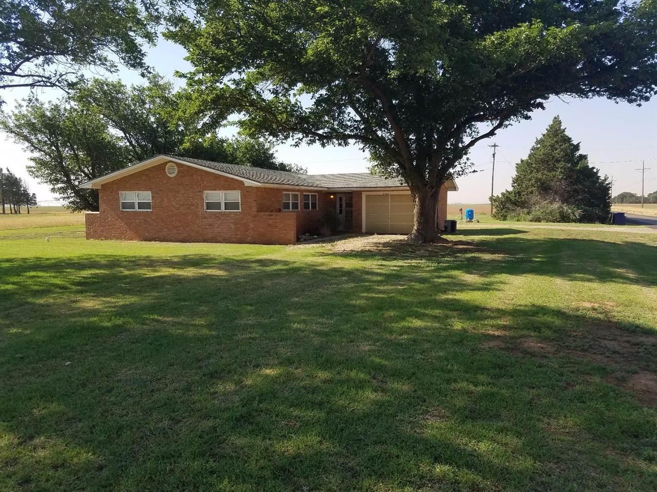 8902 County Road 7700 - Photo 1